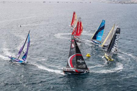 Volvo Ocean Race : départ spectaculaire sous l'oeil avisé de Jonas Gerckens